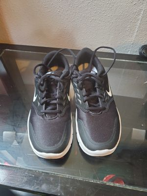 Nike woman shoes for Sale in Fresno, CA