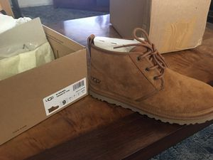 Women's ugg never worn 70.00 for Sale in Salem, OR