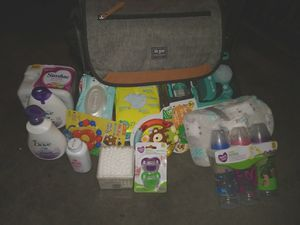 Diaper bag gift set for Sale in Oceanside, CA