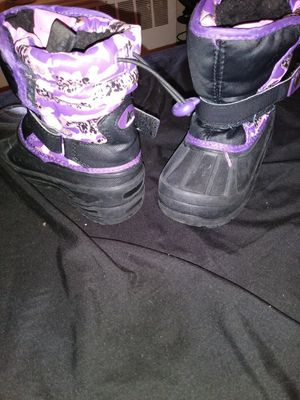 Size 9 toddler snow boots for Sale in Washington, DC