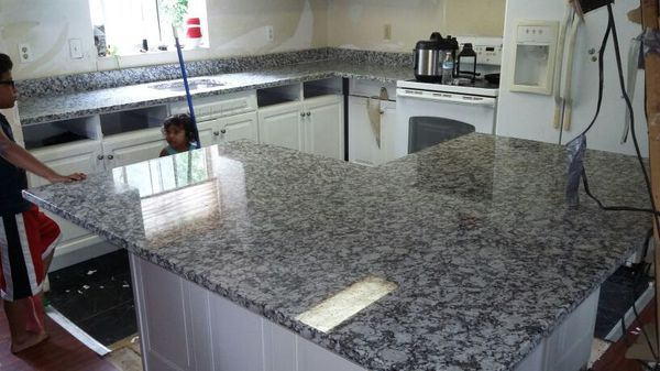 Granite counter top.and outdoor kitchen.