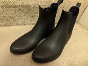 Rain boots size 6 for Sale in Seattle, WA