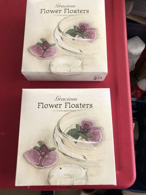 Glass flower floaters. Set of 8 for Sale in Englewood, CO