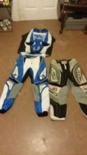 2 Dirt bike suits brand new 20$ for Sale in Bumpass, VA