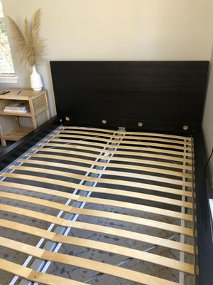 Queen size bed frame for Sale in Fort Mill, SC
