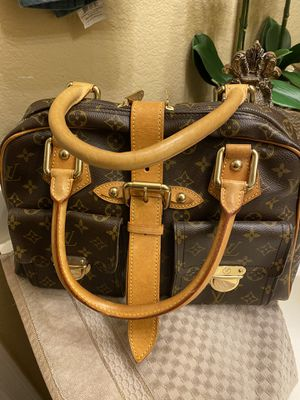 Authentic Louis Vuitton Monogram Manhattan GM for Sale in Laveen Village, AZ