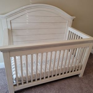 3-Piece Dolce Babi Lucca Bedroom Suit Fpr Baby for Sale in Dallas, TX