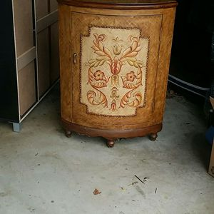 Antique corner cabinet for Sale in Anaheim, CA