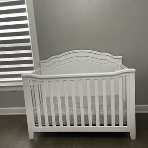 Crib With Mattress for Sale in Pittsburgh, PA