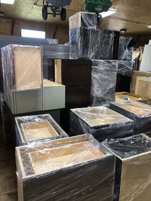All wood Kitchen cabinets for Sale in Kannapolis, NC