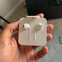 Apple Headphones for Sale in Alexandria,  VA