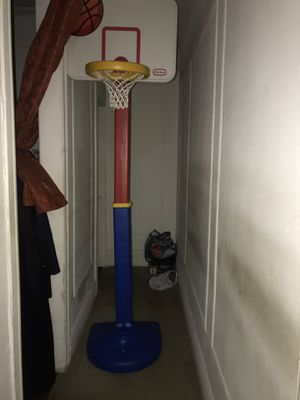 Little tikes adjustable basketball hoop court and ball for Sale in New York, NY
