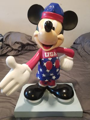 Mickey Mouse InspEARations 75th Anniversary Collectible Statue - RARE for Sale in New Rochelle, NY