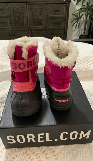 Toddler snow boots for Sale in Hialeah, FL