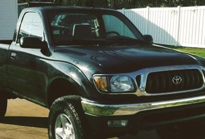 Good transmission, Good AC, Good Motor // Toyota TACOMA 01 for Sale in Cincinnati, OH