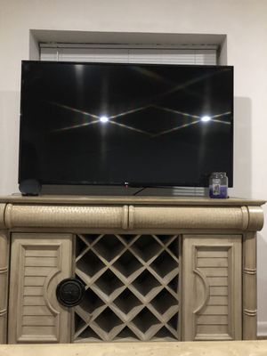 Tv stand / wine rack for Sale in Delray Beach, FL