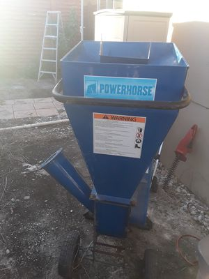 Power horse wood chipper for Sale in Fort Lauderdale, FL