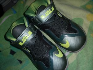 Nike lebrons size 7 toddler for Sale in Pinellas Park, FL