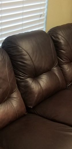 Leather Couch And Loveseat for Sale in Dallas,  TX