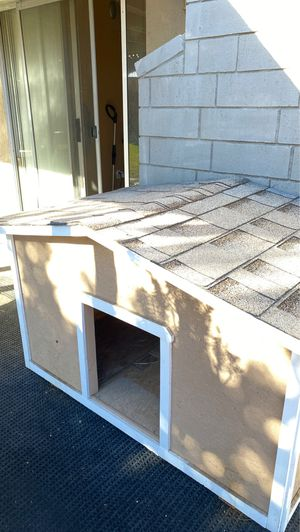 New dog house for Sale in Moreno Valley, CA