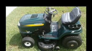 Craftsman riding lawn mower tractor for Sale in Belleair, FL