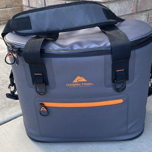 Ozark Trail Cooler Bag for Sale in Palmdale, CA