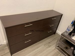 New brown dresser free delivery for Sale in Pembroke Pines, FL