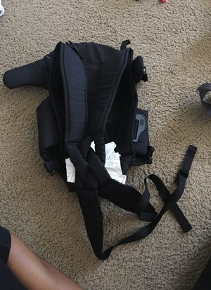 2 baby carriers for Sale in Richmond, VA