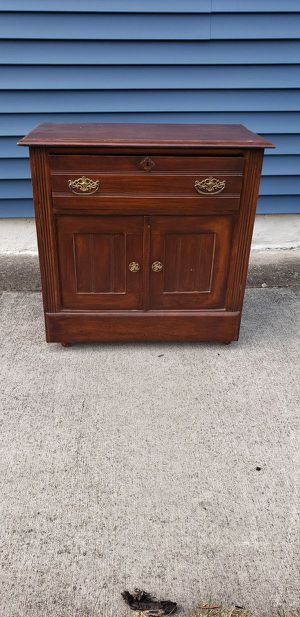 Antique Wood Wash Stand / Credenza / Vanity for Sale in Lorain, OH