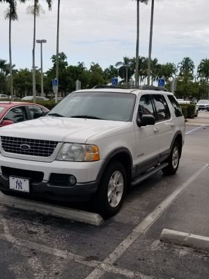 2005 Ford Explorer. 4x4. V8. IMPECABLE for Sale in Fort Lauderdale, FL