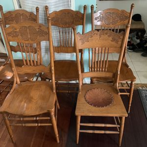 Pretty Vintage 5 Chairs for Sale in Los Angeles, CA