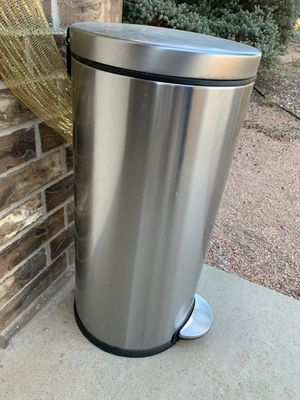 Round Step Trash Can for Sale in Odessa, TX