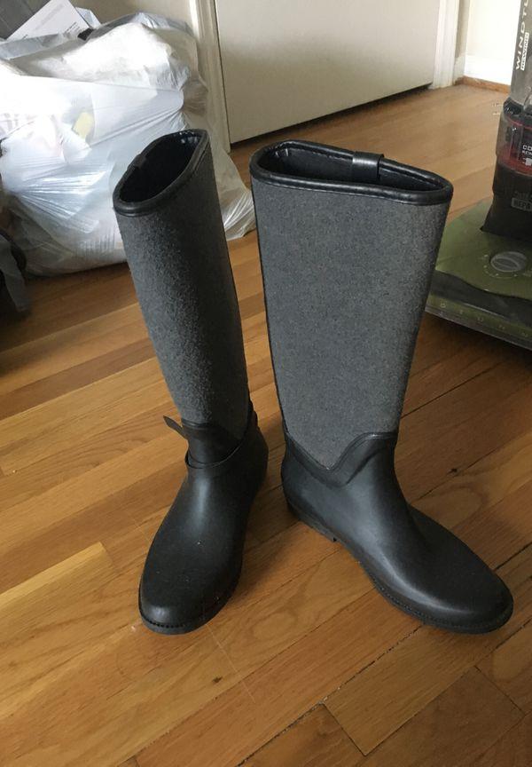 Aldo rain boots size 8.5