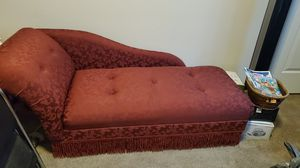 Antique style couch for Sale in Arvada, CO