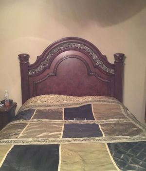 Bedroom furniture set- together or separate for Sale in Osage Beach, MO