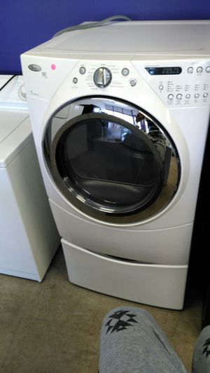 """Whirlpool duet front load """"washer/dryer"""" (white) for Sale in Cleveland, OH"""