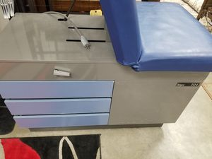 Ritter 104 exam table model 100-025 for Sale in undefined