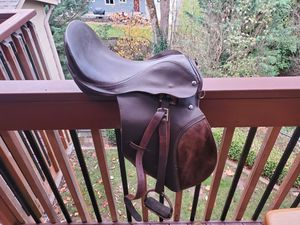All Purpose English Saddle 16 in for Sale in Onalaska, WA