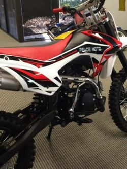 Peace moto 125cc Dirtbike for Sale in Sanford,  FL