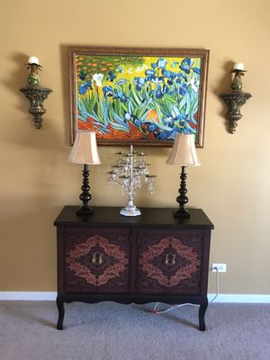 Table, Painting, lamps, and more for Sale in St. Charles, IL