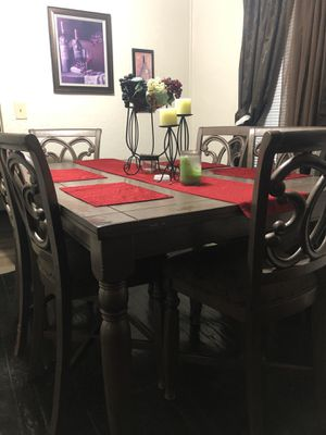 Dining kitchen table for Sale in Bakersfield, CA