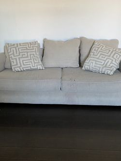 Large Comfy Sofa (free) PickUp for Sale in Orlando,  FL