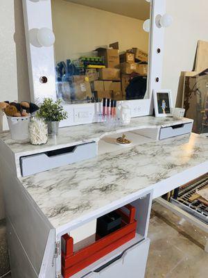 Hollywood Style Vanity Mirror & Desk Set! (Energy efficient LED globe lightbulbs & faux marble countertops) for Sale in Visalia, CA