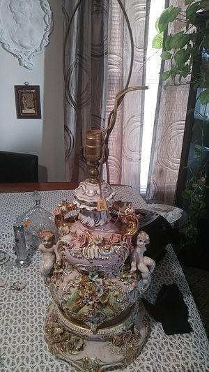 Antique lamp for Sale in Capitol Heights, MD