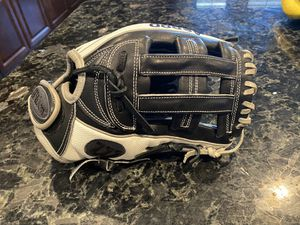 Wilson Fastpitch Softball glove for Sale in Surprise, AZ