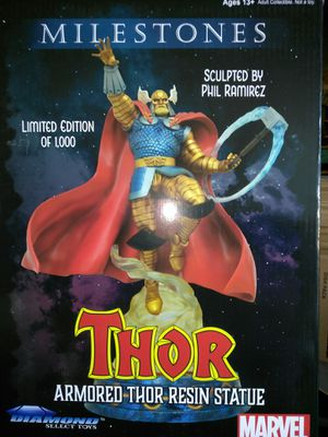 Collectible Thor statue for Sale in Kissimmee, FL