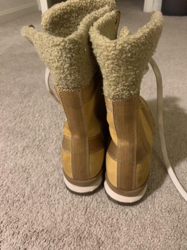 Timberland Boot (Women's Size 9M)