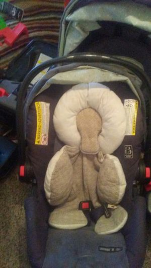 Graco car seat for Sale in Castro Valley, CA