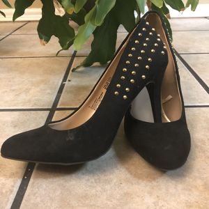 Mossimo Gold Studded Pumps. for Sale in Nashville, TN
