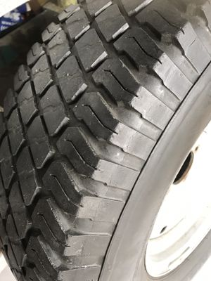 Ford F-150 spear tire rim is size —265/75/16 -$40 - (1) tire for Sale in Fresno, CA
